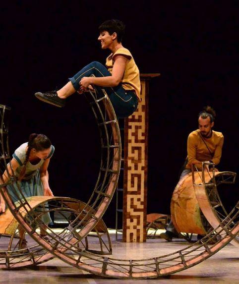 Esencial. Espectáculo de circo en Salamanca